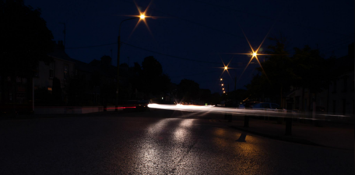 speeding-car-at-night.jpg-1200x591